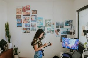 cartoonist-preparing-art-portfolio-how-to-buy-nfts